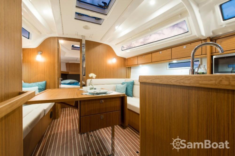 Alquiler de Bavaria Cruiser 37 en Göcek
