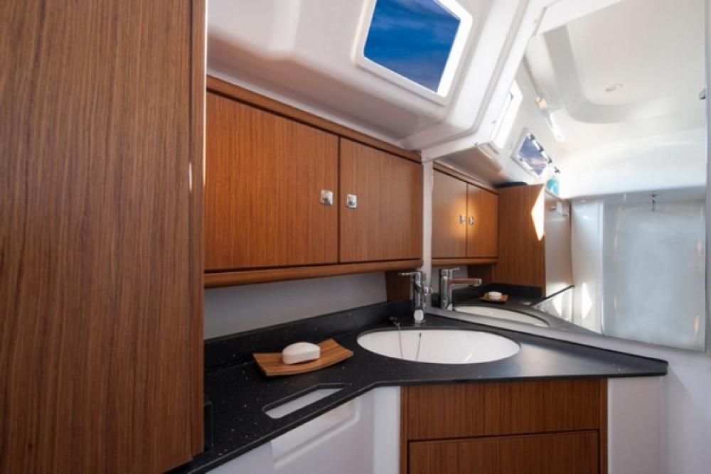 Alquiler de yate Croacia - Bavaria Cruiser 33 en SamBoat