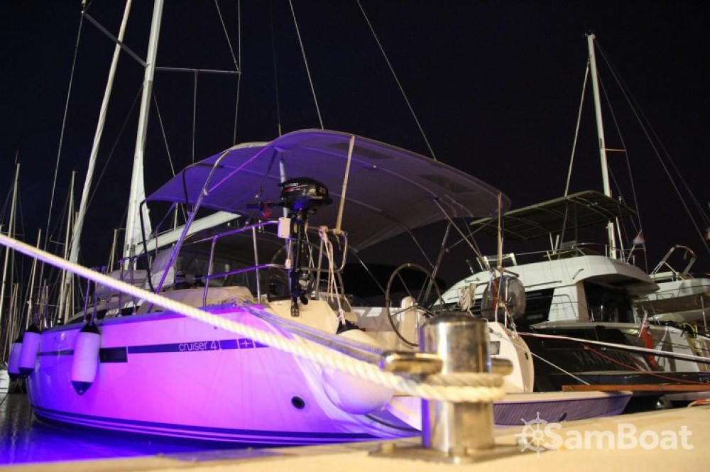 Alquiler de yate Marina Šangulin - Bavaria Cruiser 41 en SamBoat