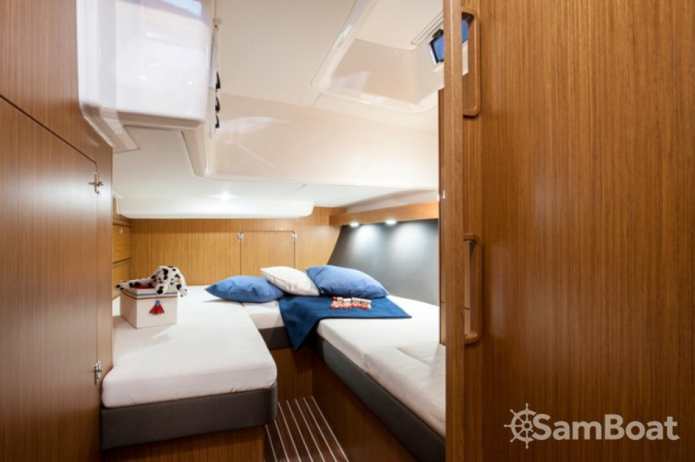 Bavaria Cruiser 56 entre particulares y profesional Croacia