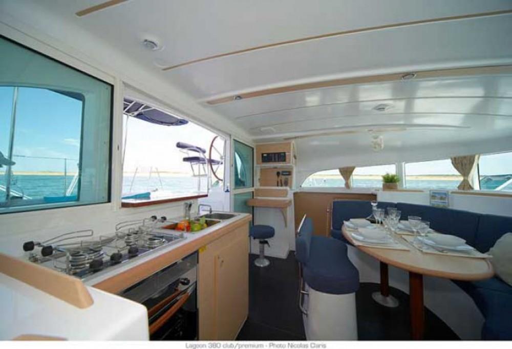 Alquiler de Lagoon Lagoon 380 S2 en Trogir