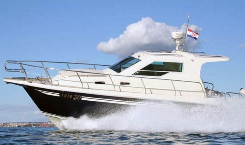 Location bateau Sas Vektor Vektor 950 à Marina Šangulin sur Samboat