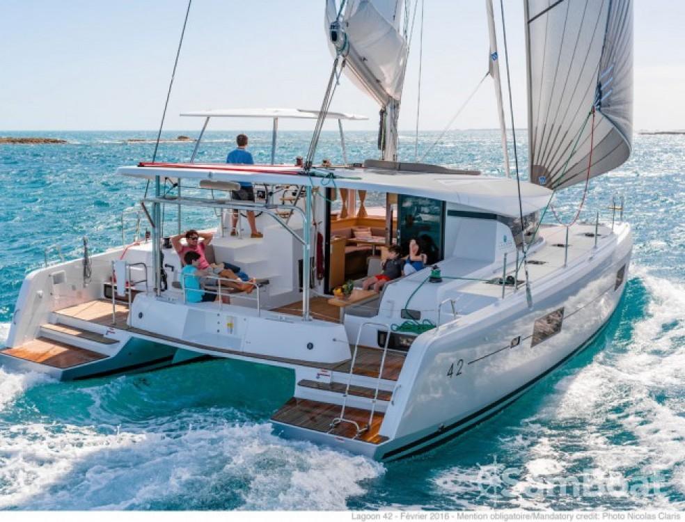 Alquiler de barcos Trogir barato de Lagoon 42