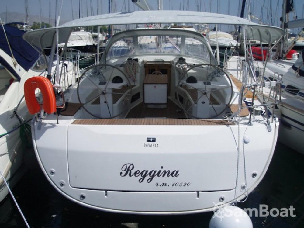 Bavaria Cruiser 45 zwischen Privatpersonen und professionellem Anbieter Ionian Islands