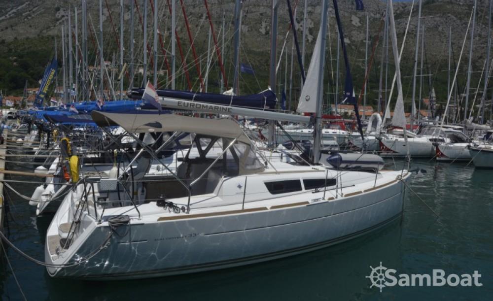 Jeanneau Sun Odyssey 33i entre particuliers et professionnel à Croatie