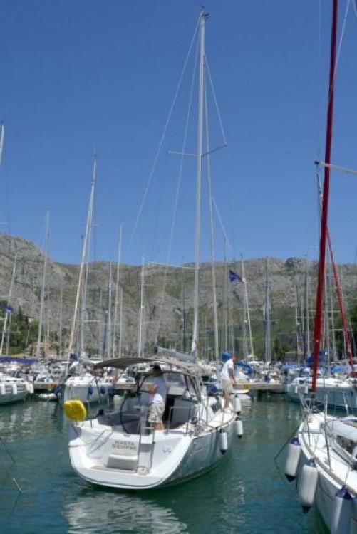 Louez un Jeanneau Sun Odyssey 33i à Croatie