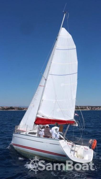 Louez un Jeanneau Sun Fast 26 à Marina Kornati