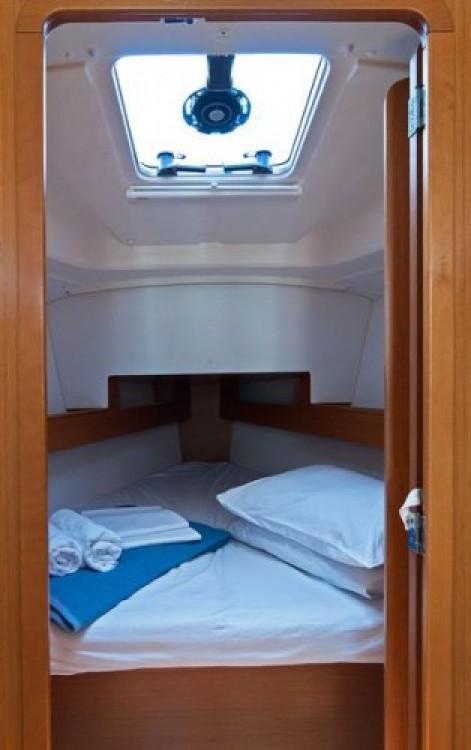 Louez un Jeanneau Sun Odyssey 33i à Split