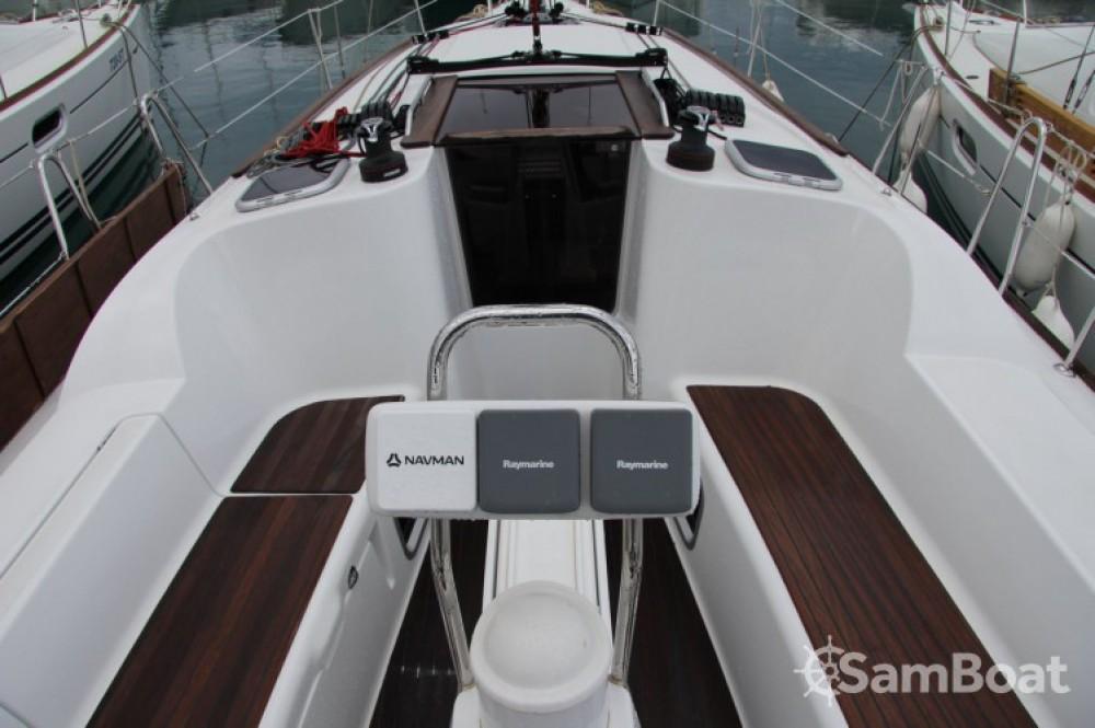 Louez un Jeanneau Sun Odyssey 36i à Split