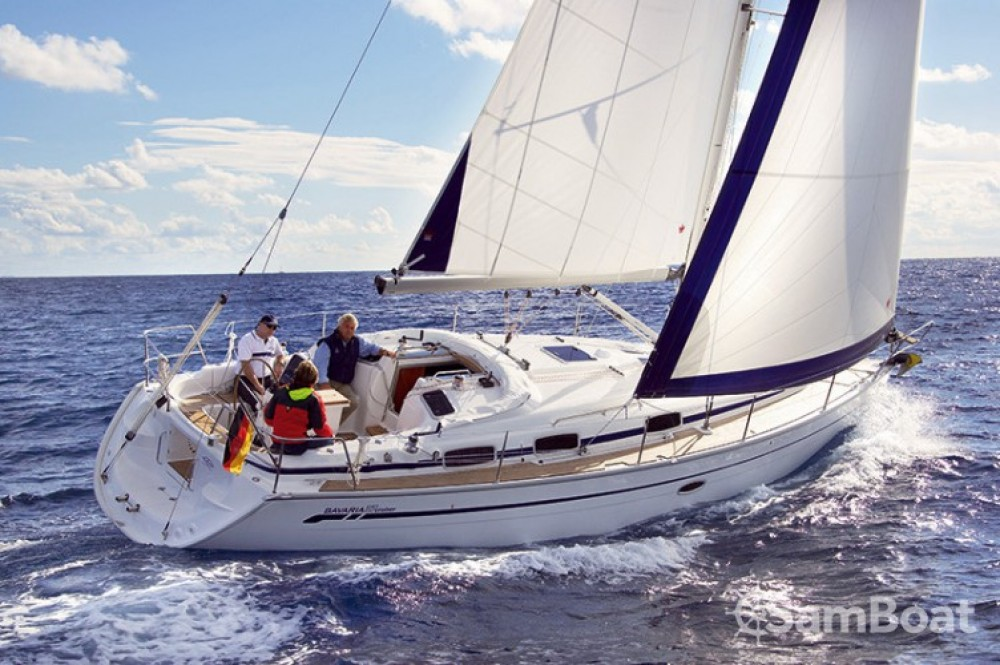 Bavaria Cruiser 37 zwischen Privatpersonen und professionellem Anbieter Salerno