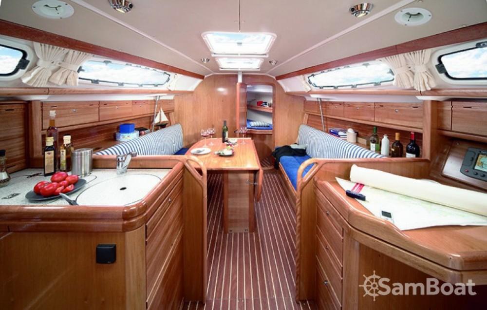 Ein Bavaria Cruiser 39 mieten in Salerno
