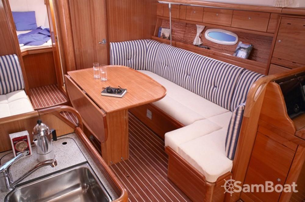 Yacht-Charter in Salerno - Bavaria Cruiser 37 auf SamBoat