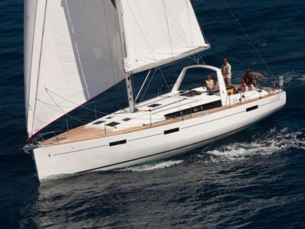 Bénéteau Oceanis 45 zwischen Privatpersonen und professionellem Anbieter Marmaris