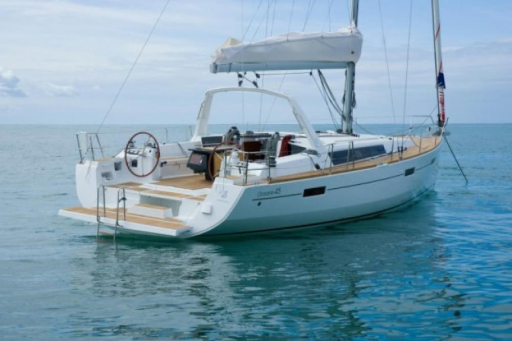 Ein Bénéteau Oceanis 45 mieten in Marmaris