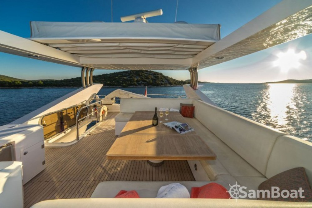 Ein Sunseeker-International Sunseeker Yacht 80 mieten in Tribunj