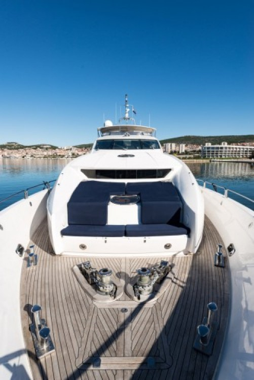 Ein Sunseeker-International Sunseeker Yacht 105 mieten in Trau