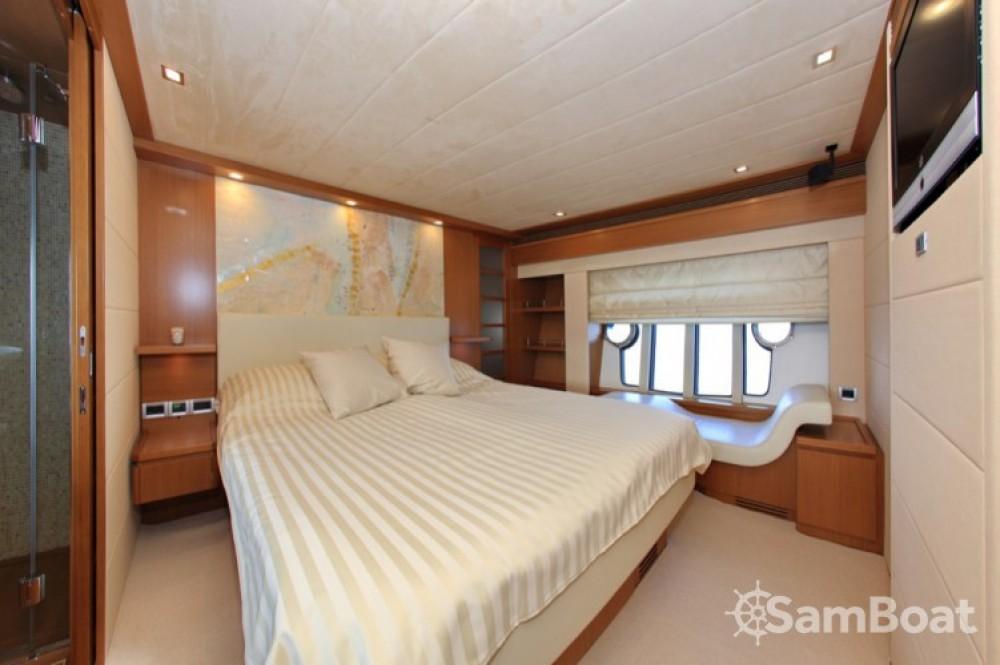 Bootsverleih Zadar günstig Ferretti 780 HT