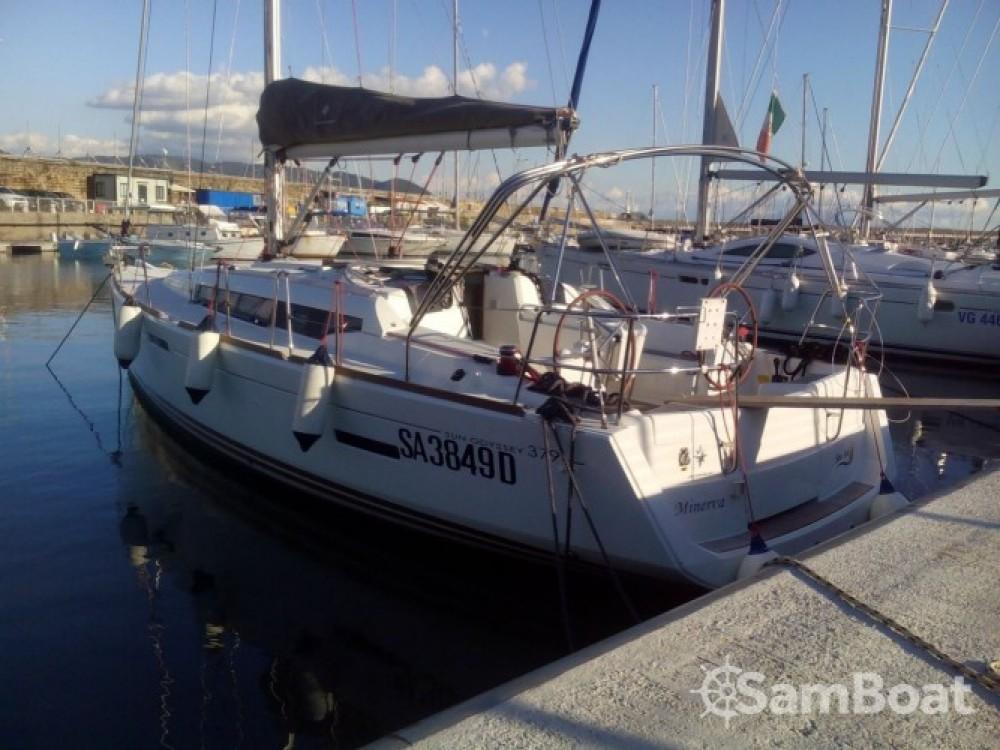 Location yacht à Salerne - Jeanneau Sun Odyssey 379 sur SamBoat