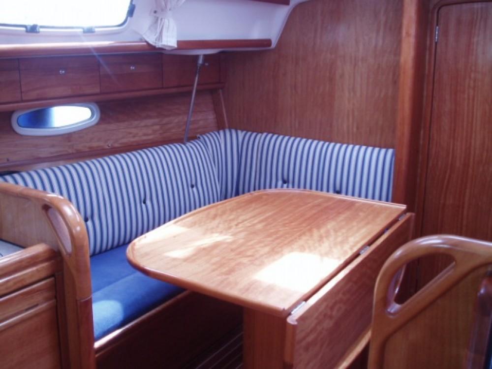 Ein Bavaria Cruiser 33 mieten in Leucade