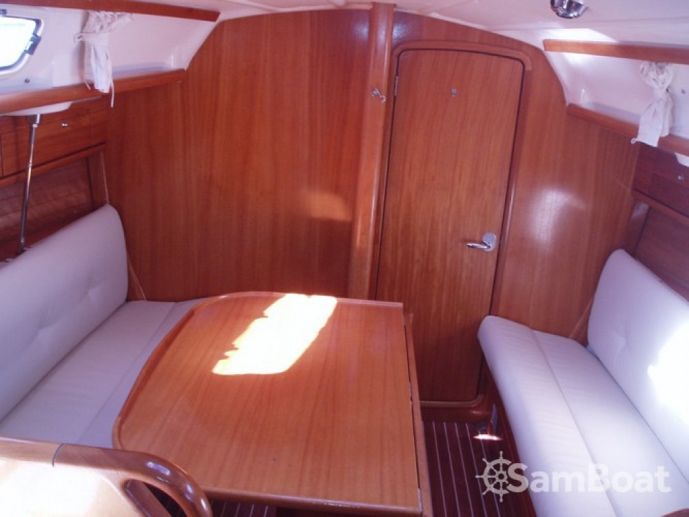 Location bateau Marina Punat pas cher Cruiser 30