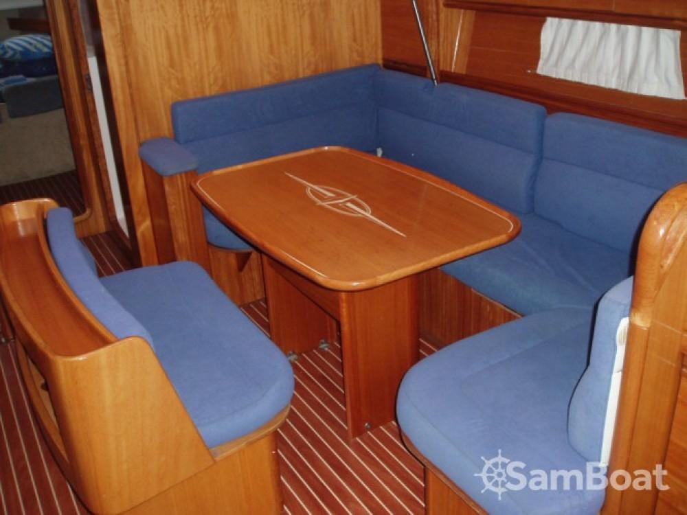 Ein Bavaria Cruiser 46 mieten in Marina Punat