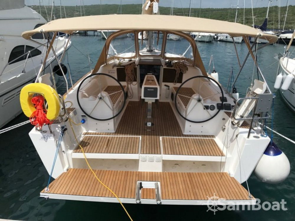 Bootsverleih Dufour Dufour 382 Grand Large Marina Punat Samboat