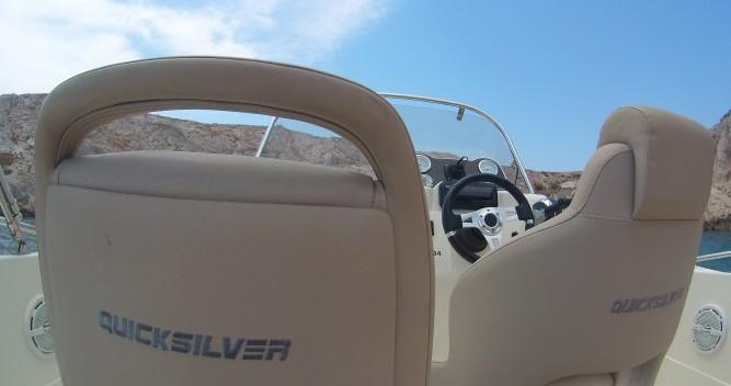 Location bateau Vieux-Port de Marseille pas cher Activ 605 Open