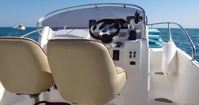 Location bateau Le Grau-d'Agde pas cher Cap Ferret 652 DC