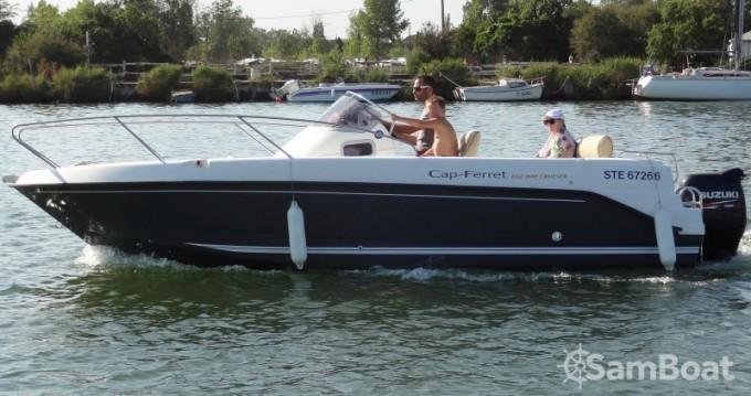 Location bateau Agde pas cher Cap Ferret 652 DC
