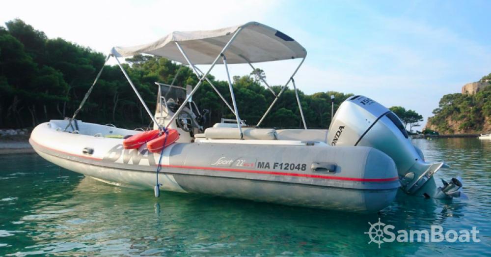 Location bateau Saint-Raphaël pas cher Sport 22 GT