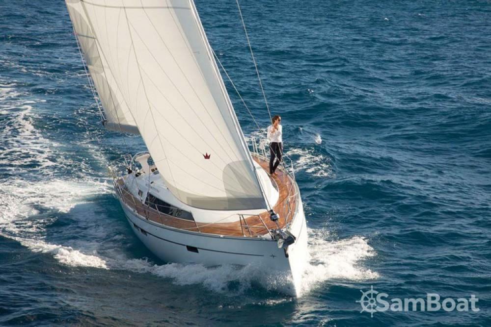 Bavaria Cruiser 46 zwischen Privatpersonen und professionellem Anbieter Central Greece