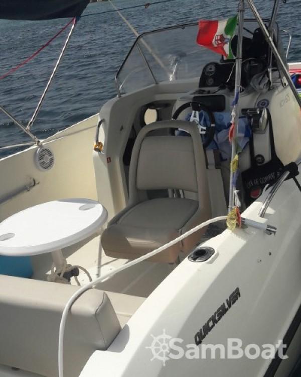 Bootsverleih Quicksilver Activ 675 Open Alghero Samboat