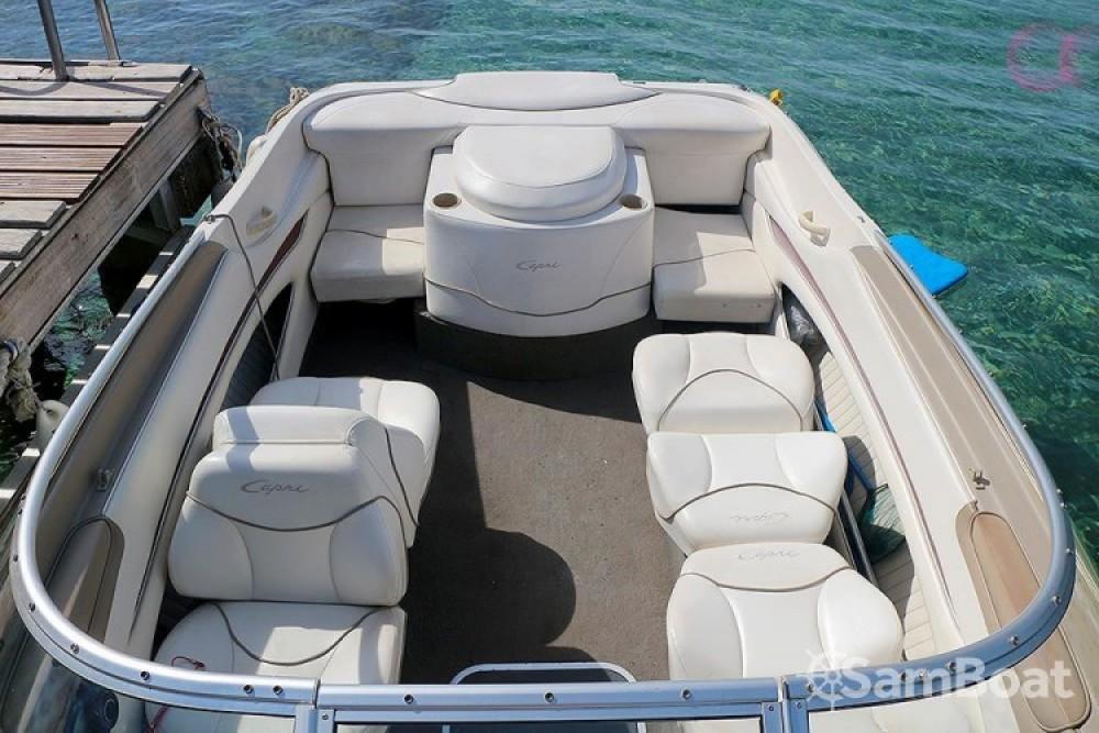 Bayliner Capri Cuddy 2052 zwischen Privatpersonen und professionellem Anbieter Le Lavandou