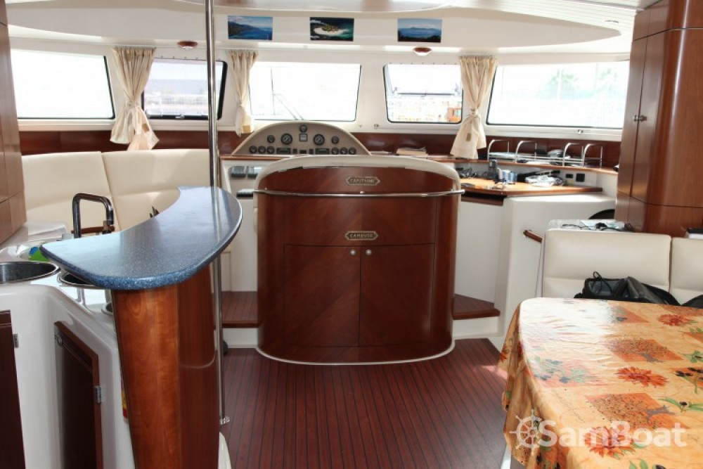 Boat rental Fountaine Pajot Cumberland 44 in Canet-en-Roussillon on Samboat
