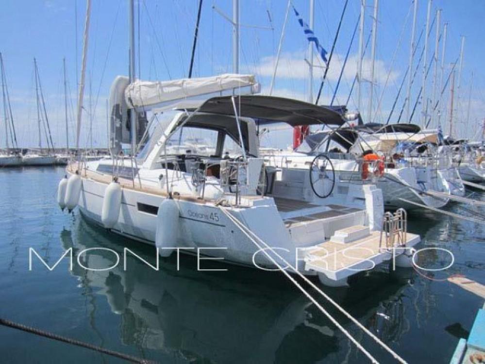 Bénéteau Oceanis 45 zwischen Privatpersonen und professionellem Anbieter Central Greece