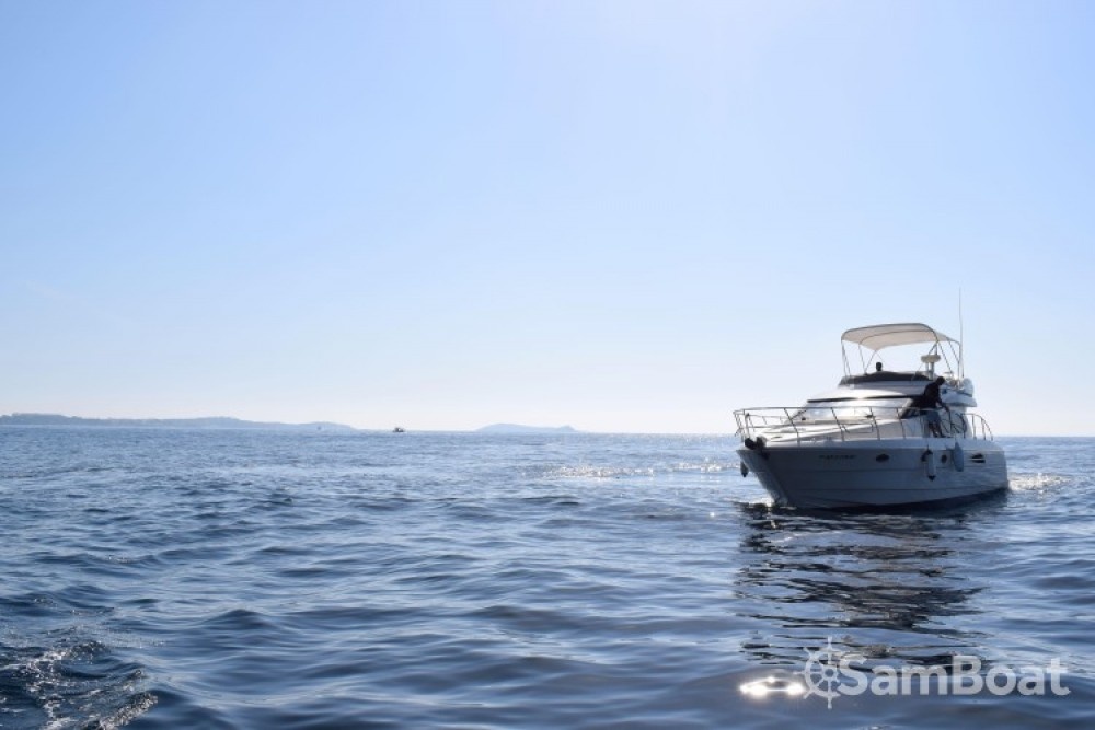 Hire Motor boat with or without skipper Astondoa Ibiza city