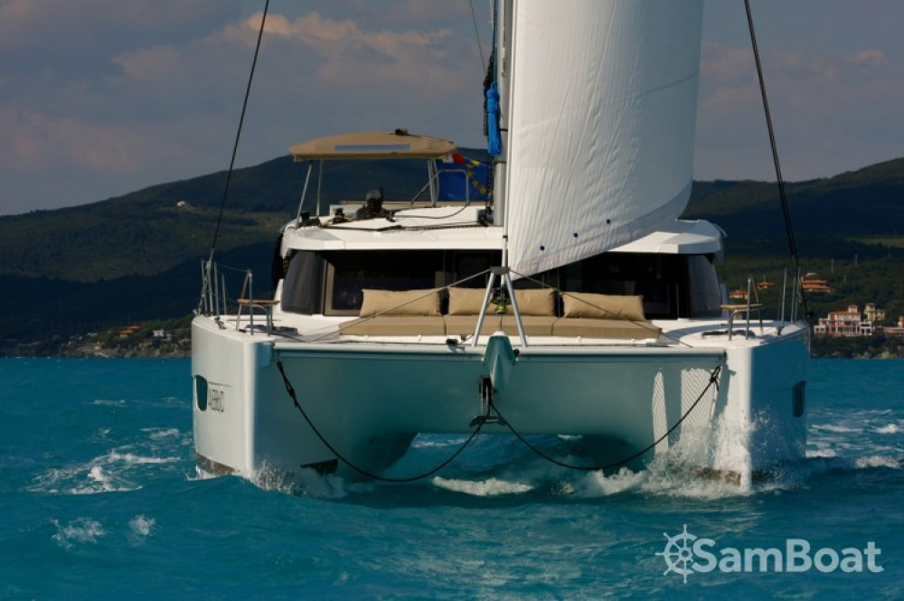 Rental yacht Cannes - Fountaine Pajot Lucia 40 on SamBoat