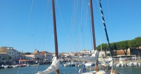 Rental yacht Le Grau-du-Roi - Chantier-Pfistersirven carol ketch on SamBoat