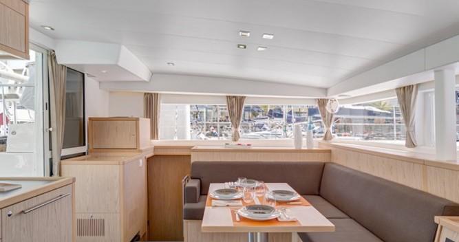 Boat rental Μαρίνα Αλίμου cheap Lagoon 400 S2
