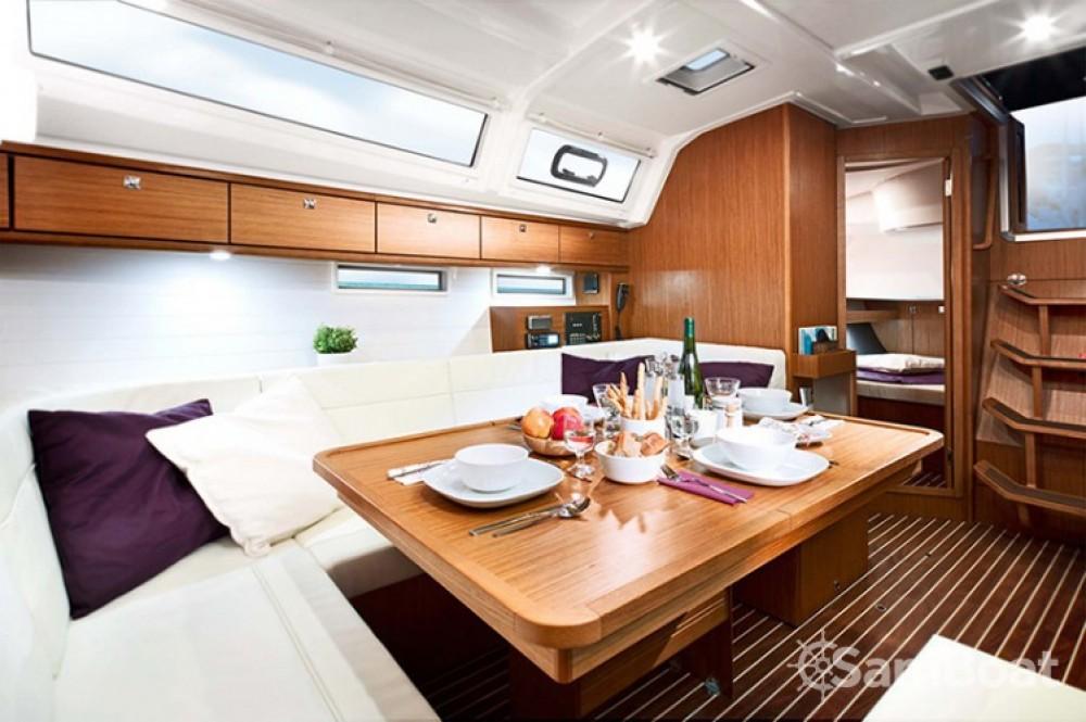 Bavaria Cruiser 46 zwischen Privatpersonen und professionellem Anbieter Trau