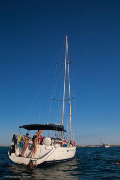 Ein Bénéteau Oceanis 473 mieten in Port Pierre Canto