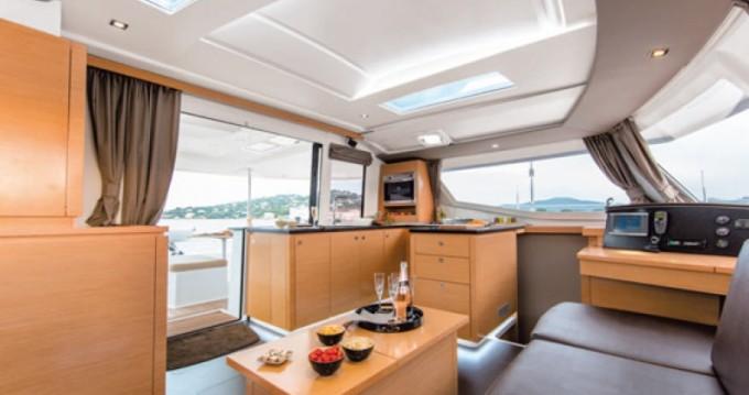 Location bateau Le Marin pas cher 44