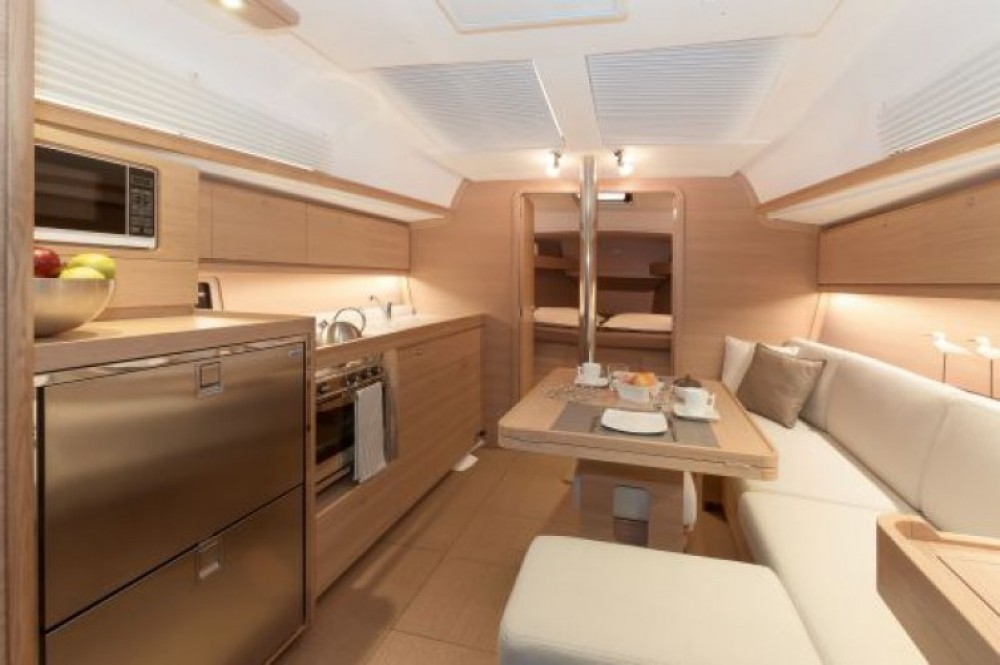 Sailboat for rent Tonnarella at the best price