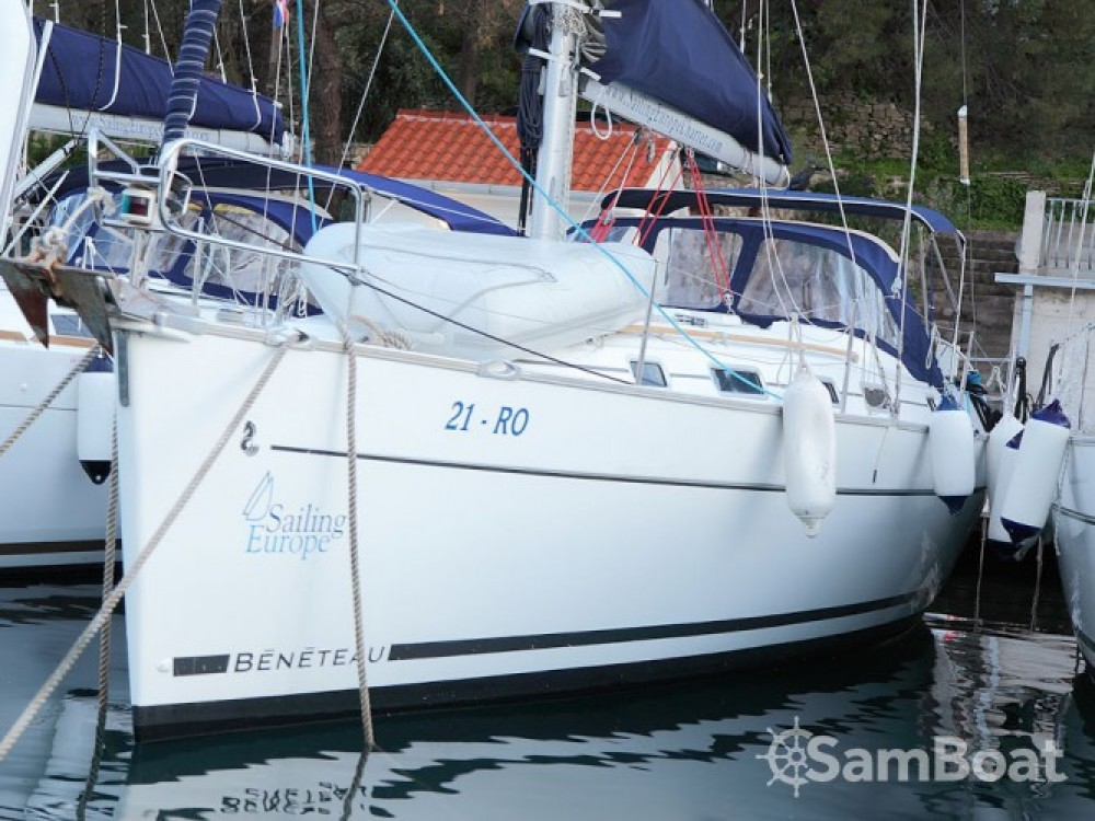 Boat rental Bénéteau Cyclades 39.3 in Rogač on Samboat