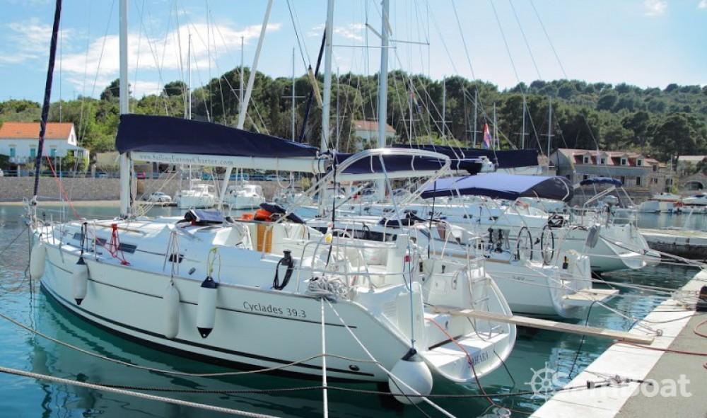 Alquiler de barcos Bénéteau Cyclades 39.3 enRogač en Samboat