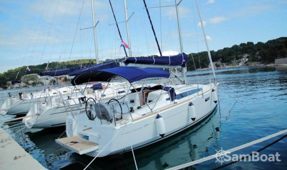 Location bateau Rogač pas cher Sun Odyssey 349