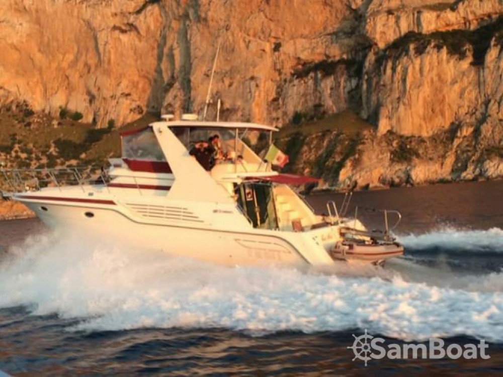 Boat rental Palermo cheap Cruisers Yachts 42.80 flybridge