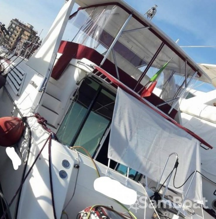 Hire Motor boat with or without skipper Cruisers-Yachts Palermo