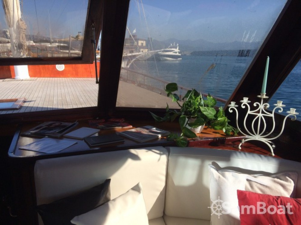 Sailboat for rent Catania at the best price