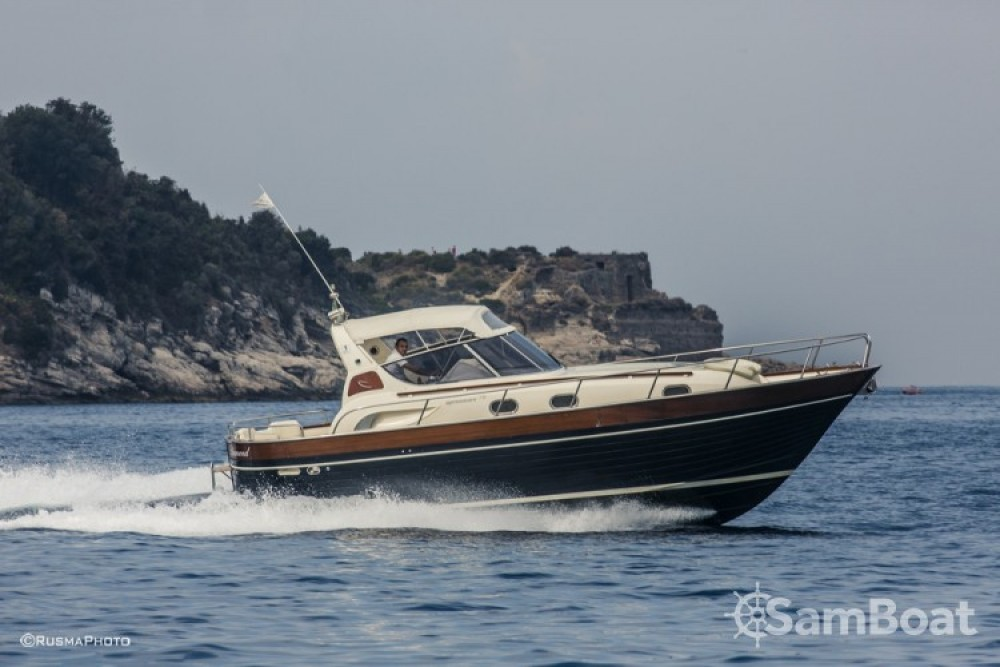 Hire Motor boat with or without skipper Apreamare Sorrente